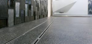 Entry level wet room