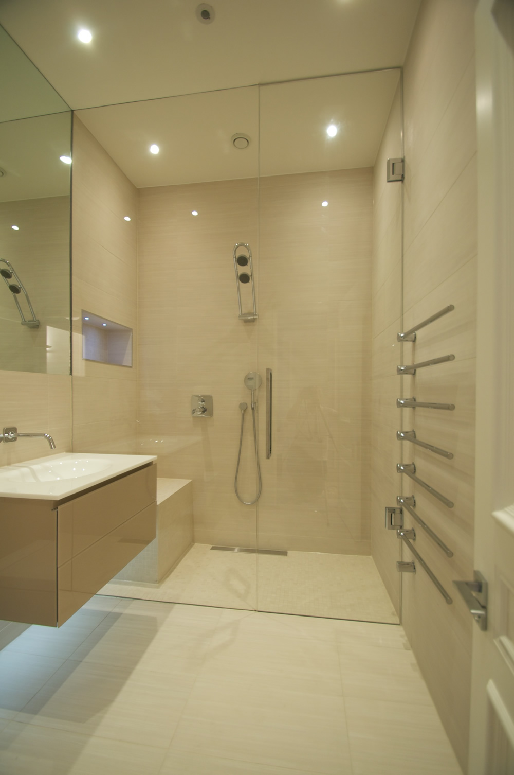 Wet rooms design gallery ccl wetrooms for Tiny shower room design